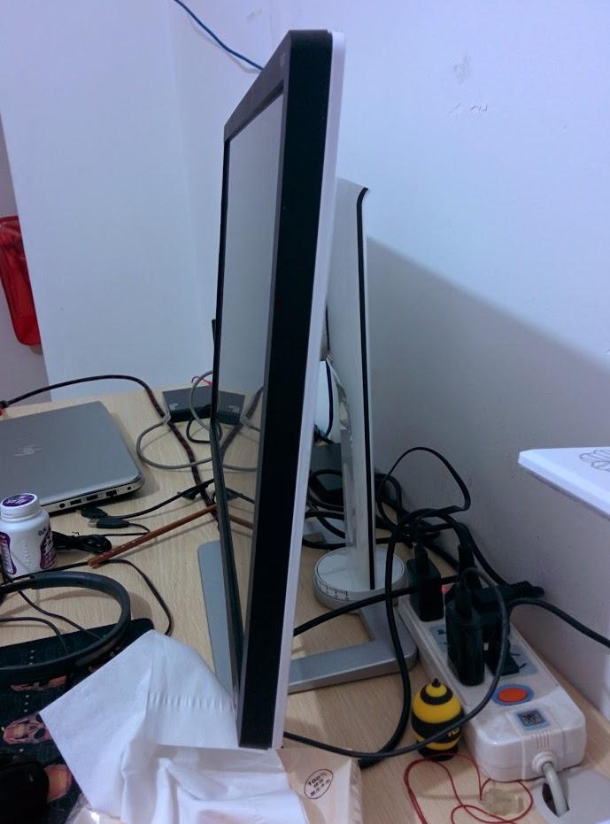 HKC T4000 24寸显示器,1389大洋